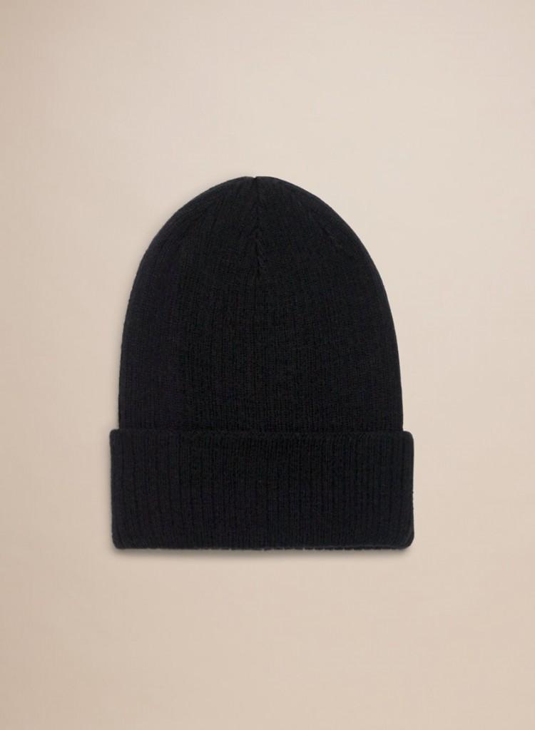 11.Aritzia hat