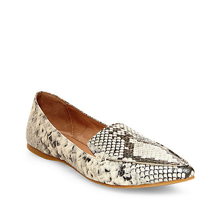 SNTF_Flats For Pre-Fall_Steve Madden Feather