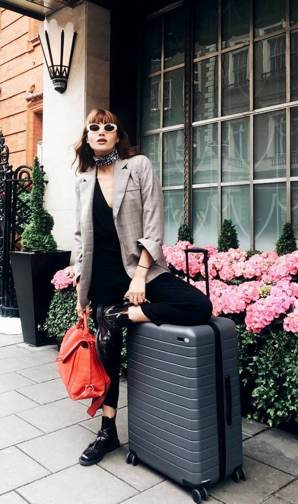 travel-outfits-225762-1496424546235-image.1200x0c