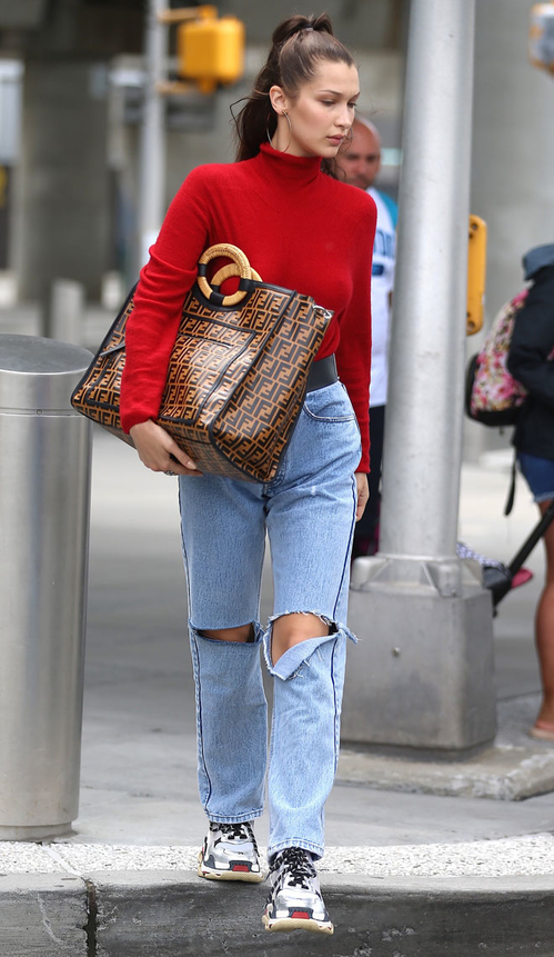 fendi_ff_runaway_tote_for_bella_hadid_jpg_9789_north_499x_white