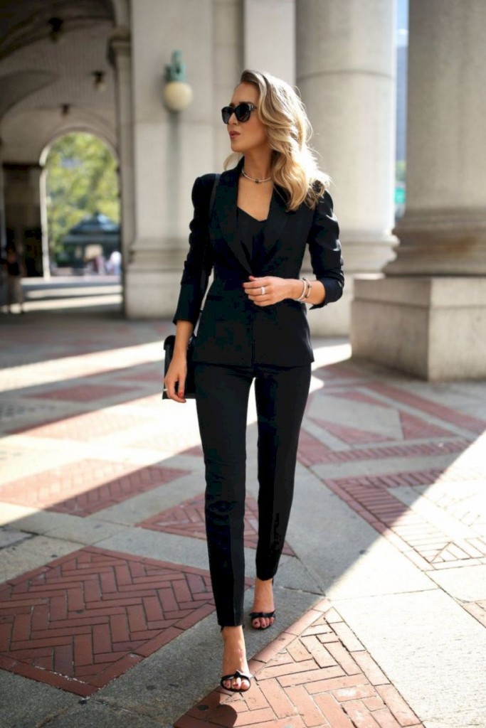 beautiful-work-outfit-ideas-for-career-women-19