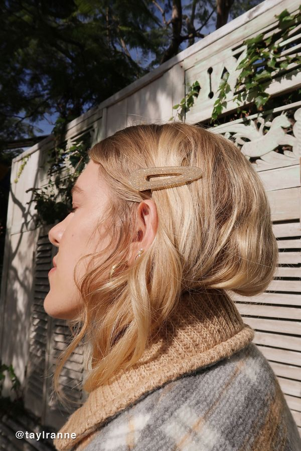 8 Other Reasons Shimmy Glitter Hair Clip