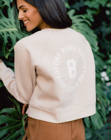 Babes-Supporting-Babes-Little-Sister-Crew-Toasted-Almond-Brunette-the-Label-Editorial-2